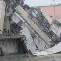 """Crollo ponte autostrada: """"Un fulmine ha colpito il pilone e poi tutto ha iniziato a..."""