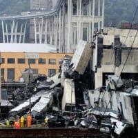 Genova, crolla il ponte Morandi dell'autostrada A10. Decine di vittime