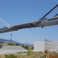 Genova, il ponte delle polemiche: costi alti e segni preoccupanti di cedimento