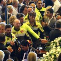"""Crollo ponte Morandi, Bagnasco ai funerali: """"Uno squarcio nel cuore della città, Genova..."""