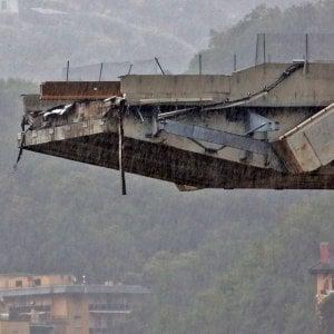 """Di Maio: """"Il ponte non lo può ricostruire Autostrade, al massimo ci mette i soldi"""""""