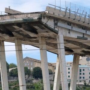 Crollo Ponte Morandi, la procura iscrive 20 indagati e la società Autostrade