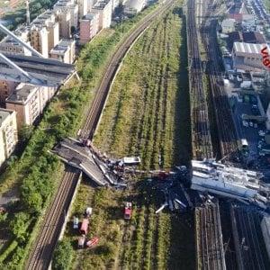 Crollo ponte: al via i lavori per la riapertura dei binari