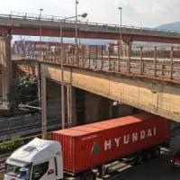 Crollo Ponte Morandi, la Strada del Papa nasce zoppa: viadotto vietato