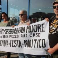 Qui! Group e Sampierdarena, le proteste davanti al Salone