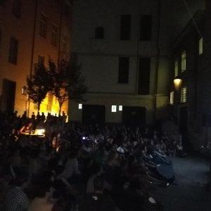 Stefano Cucchi muore in piazza, tra rabbia e commozione