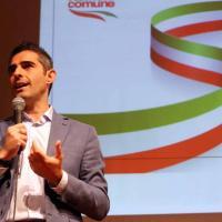 """Pizzarotti presenta """"Liguria in comune"""" a Genova"""
