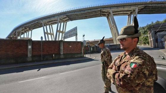 """Ecco il decreto Genova: """"Autostrade non può ricostruire"""". Solo 30 milioni al porto"""