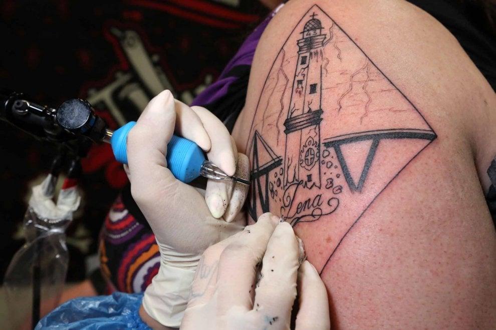Il ponte Morandi sulla pelle, a Genova la Tattoo Convention