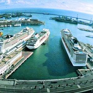 """Il controdecreto Genova: """"Porto, zona franca, lavoro: così salviamo la città"""""""