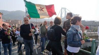 Crollo ponte Morandi, due mesi dopo il ricordo sul Polcevera   Foto