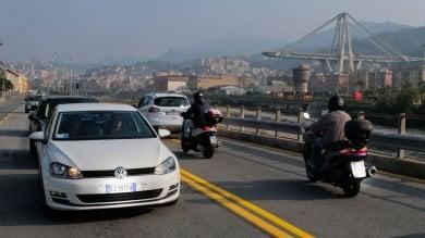 Effetto Morandi sulle corse dei taxi ' Prima di prenotare ci chiedono il preventivo'