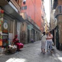 """Il Tar sui negozi nei caruggi: """"Zona di pregio no agli h24"""""""