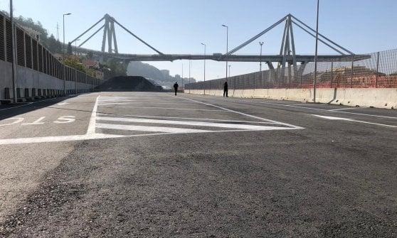 """Crollo ponte: inaugurato parcheggio di interscambio a Certosa. Bucci: """"Un parco urbano al Campasso"""""""