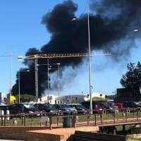 Savona, incendio nel nuovo palazzo dell'Autorità portuale: scalo chiuso