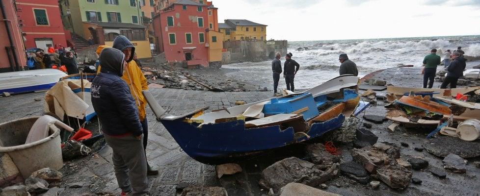 """La mareggiata devasta la Liguria, Toti: """"Chiediamo lo stato di emergenza e calamità"""". Arriva il capo della Protezione civile"""