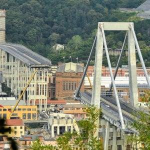 """Crollo ponte Morandi: """"Il rotolo di acciaio come una cannonata"""""""