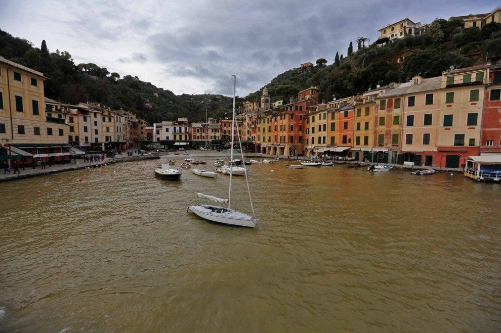 Portofino, la baia blu ora è giallognola a causa del fango