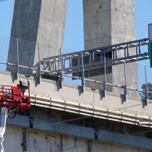 Crollo Ponte Morandi, Atlantia riduce gli utili