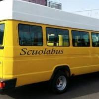 L'autista utilizzava lo scuolabus per la spesa: arresti domiciliari