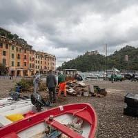 Portofino isolata:funerale nel borgo,la bara arriva via mare