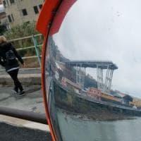Crollo ponte, si allarga la zona arancione, risarcimenti sino a Certosa