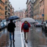 Genova, commercianti in fila per i contributi di Autostrade