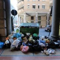 Sampierdarena assediata dai rifiuti