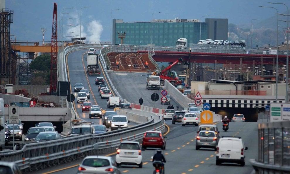 Aperto al traffico il viadotto di via Siffredi