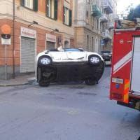 Pegli, spettacolare incidente stradale, cinque feriti non gravi