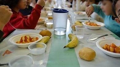 Scuola, fa discutere l'angolo mensa  dei bambini col panino