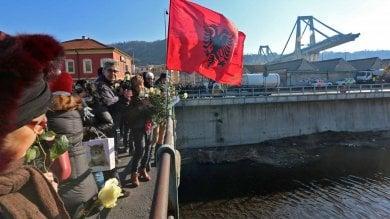 Ponte Morandi, quattro mesi dopo la tragedia. Alla commemorazione i familiari delle vittime