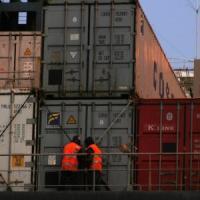 Controlli su radioattività container, otto rinviati a giudizio per falso