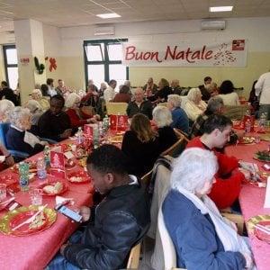 """Il sindaco al pranzo di Sant'Egidio: """"Continuate la tradizione solidale della città"""""""