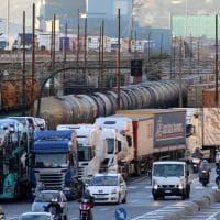 Sciopero autotrasporto, proteste ai varchi portuali e lunghe code
