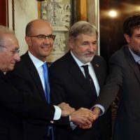 Ponte Morandi, la firma del contratto