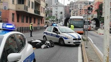 Genova, incidente mortale in corso Europa