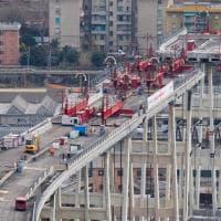 Demolizione ponte Morandi, al via il secondo taglio