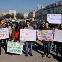 """Genova, gli studenti del D'Oria in corteo contro il razzismo: """"Siamo classicisti, ci insegnano accoglienza'"""