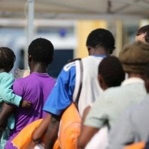 Migranti, comunità in allarme: più bandi, meno soldi