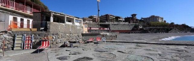 Si torna in spiaggia fra i cantieri, in corso Italia  la mareggiata non è un ricordo