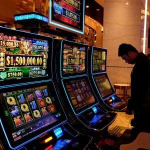 Cairo Montenotte, vietato giocare alle slot machines dalle 7 alle 19
