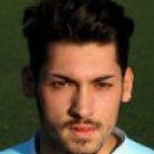 Ex giocatore delle giovanili del Genoa aggredisce un passante, arrestato