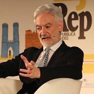 """Frasi sulle torture della polizia al G8 2001, il Csm archivia il pm Zucca: """"No al trasferimento"""""""