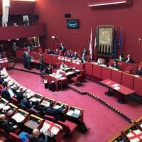 Le bandiere di Genova in consiglio comunale