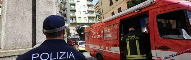 Due incendi nel quartiere di San Fruttuoso, una vittima