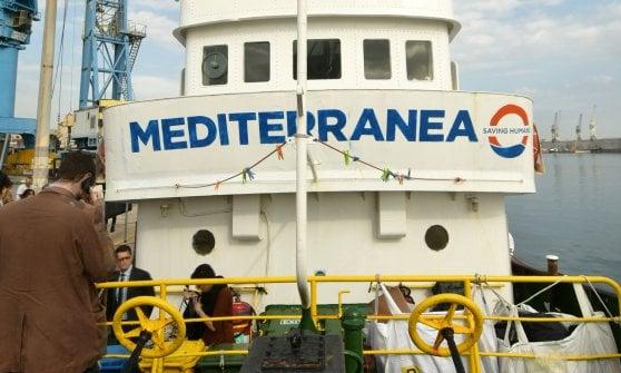 """Medico risarcito per il G8:  """"I soldi di Salvini per salvare i migranti"""""""