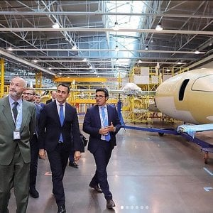 """Piaggio Aero interessa a 39 aziende: """"Ma niente spezzatino"""""""