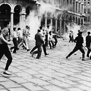 CasaPound, primo comizio neofascista in piazza a Genova dal 1960