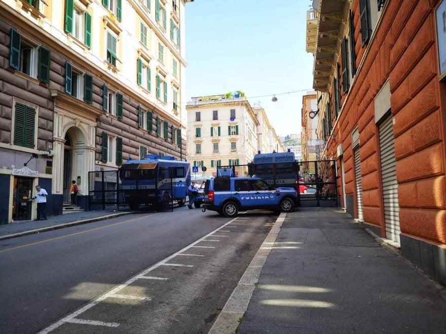 Genova, piazza Marsala: una zona rossa per il comizio di CasaPound. Alle 16.30 la protesta antifascista